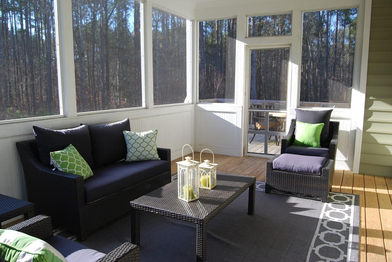 Fenêtres, faut-il opter pour une ouverture intérieure ou extérieure ?