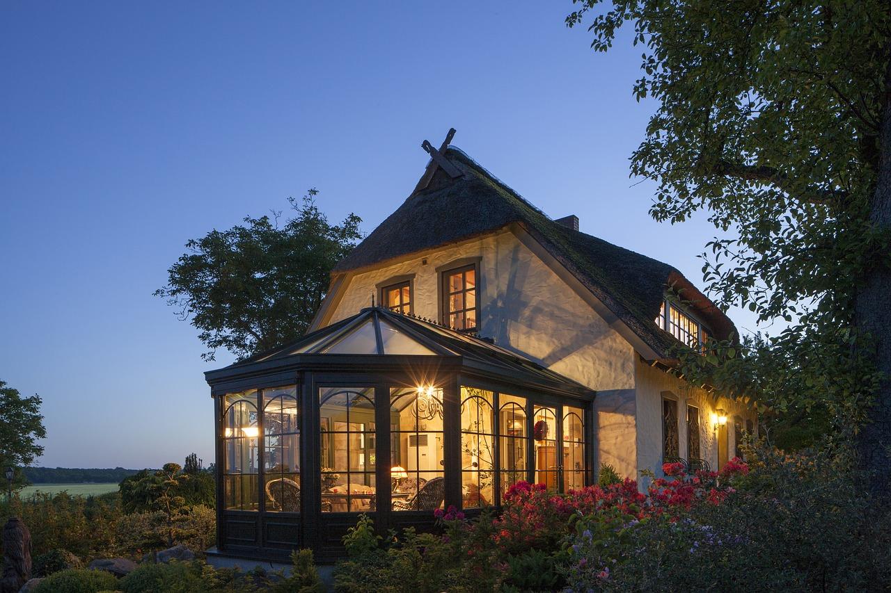Véranda, une toiture en verre pour plus de lumière dans sa maison